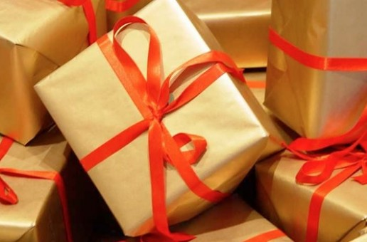 Cut Down On Your Gift Giving Costs